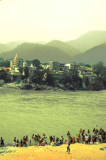 Rishikesh / View over ghat