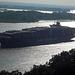 Containerschiff  CSCL  America auf der Elbe vor Blankenese