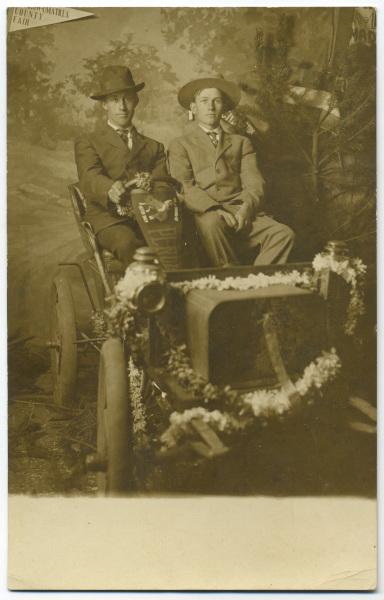 Out for a Drive at the Morrow-Umatilla County Fair, Oregon, ca. 1912