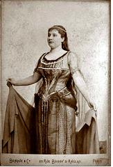 Caroline Fierens by Benque