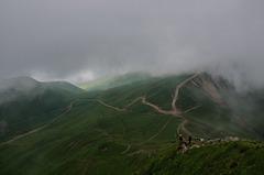Oui ça monte..............pas haut mais ça monte le Puy de Sancy.