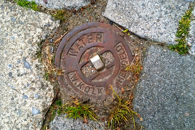 Water mains access cover of W. Kolk of Hengelo