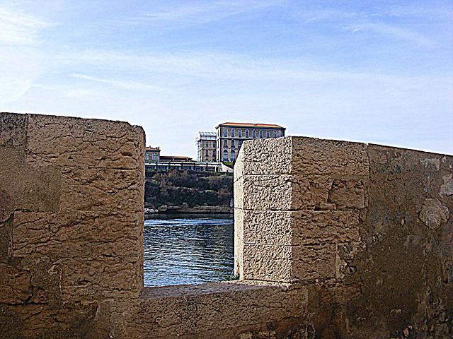 Marseille ..Le Pharo vu du Fort St Jean