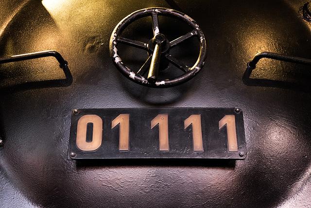 01 111