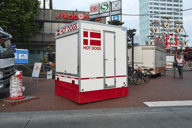 hotdogstand-1190116-co-03-07-14