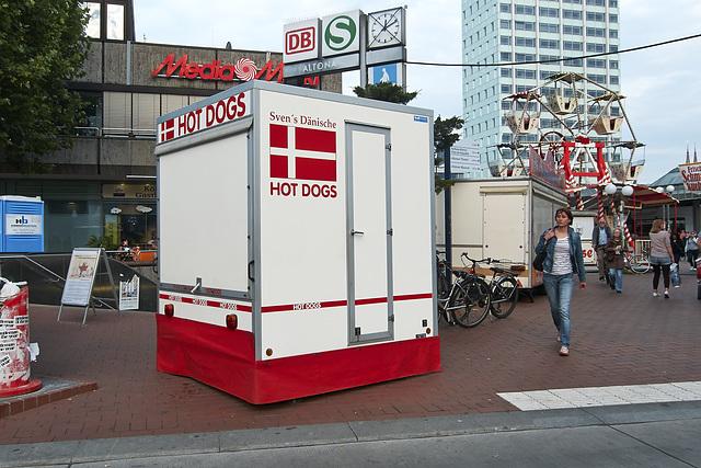 hotdogstand-1190117-co-03-07-14