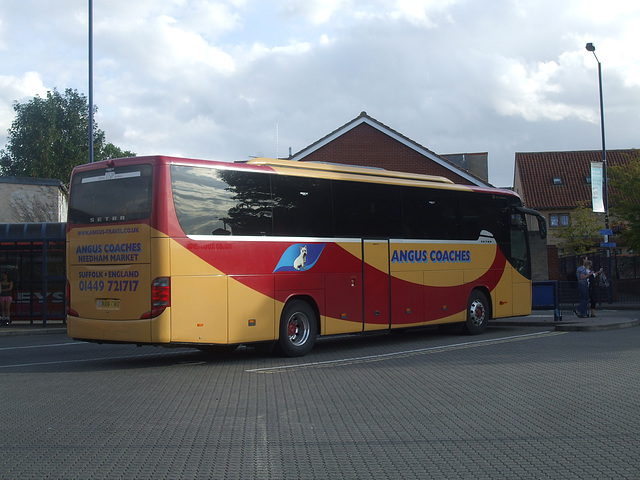 DSCF5593 Angus Coaches BU06 CUO