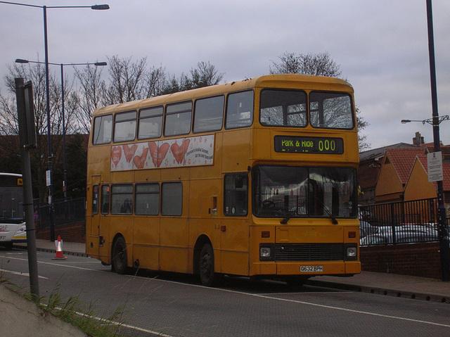 DSCN3660 Burtons Coaches G632 BPH