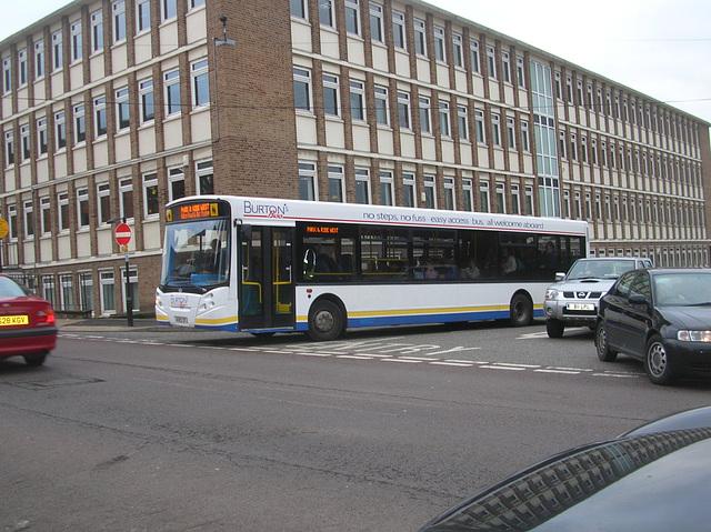 DSCN3661 Burtons Coaches KV03 ZFJ