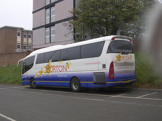 DSCN4094 Burtons Coaches PB10 BCL