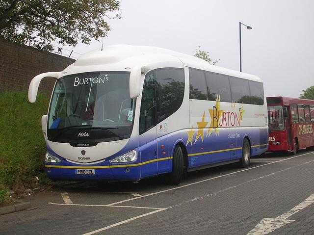 DSCN4096 Burtons Coaches PB10 BCL