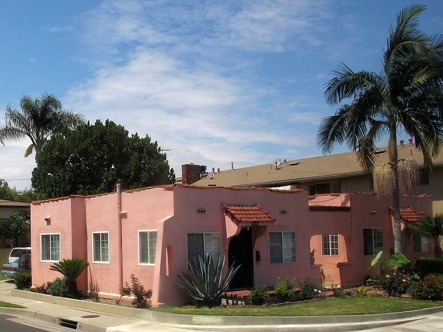 Pink Apartments (0287)