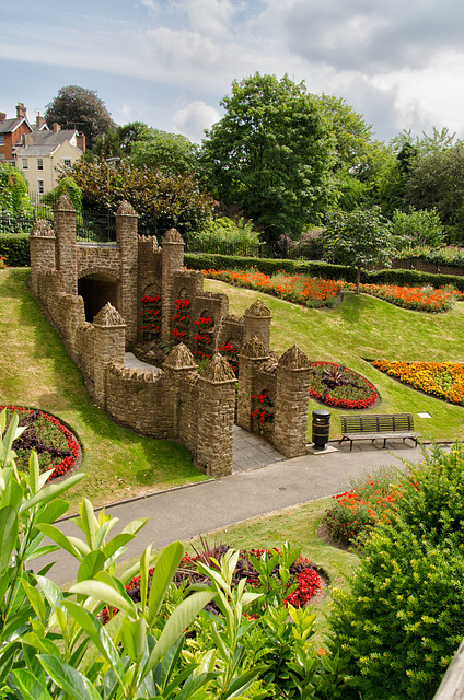 The grounds to Guildford Castle Keep