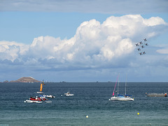 P8232475ac Losange Formation Above One of the 7 Islands Facing Perros-Guirec