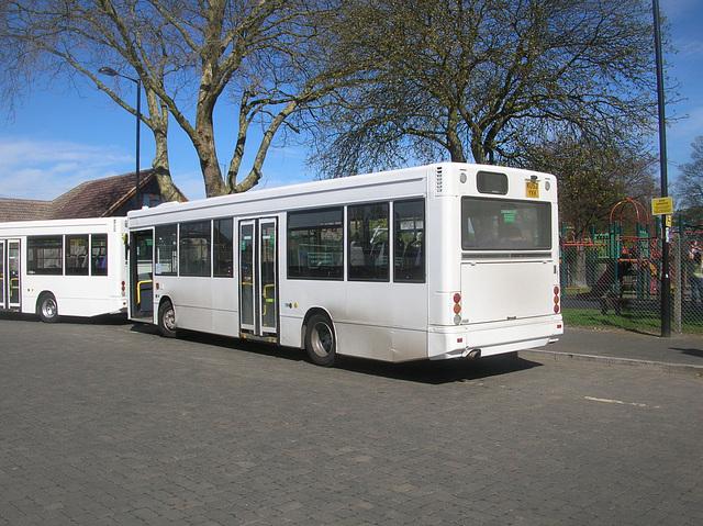 DSCN5513 Burtons Coaches KU52 YKK