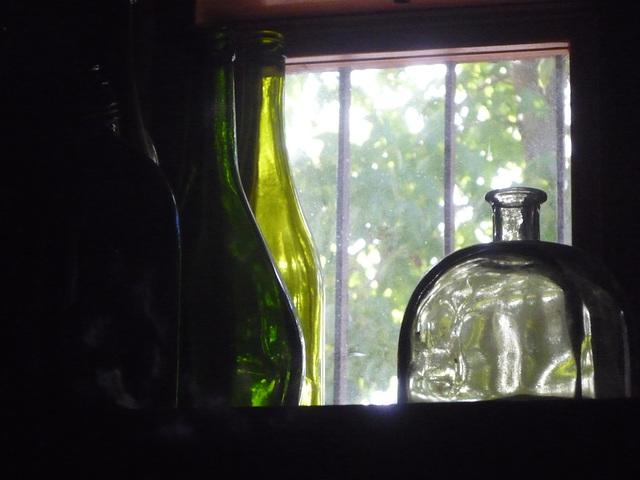 Tres botellas verdes
