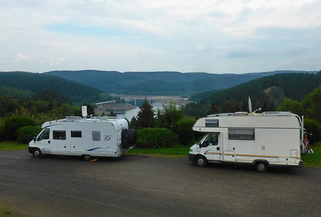 Camper über der Okertalsperre