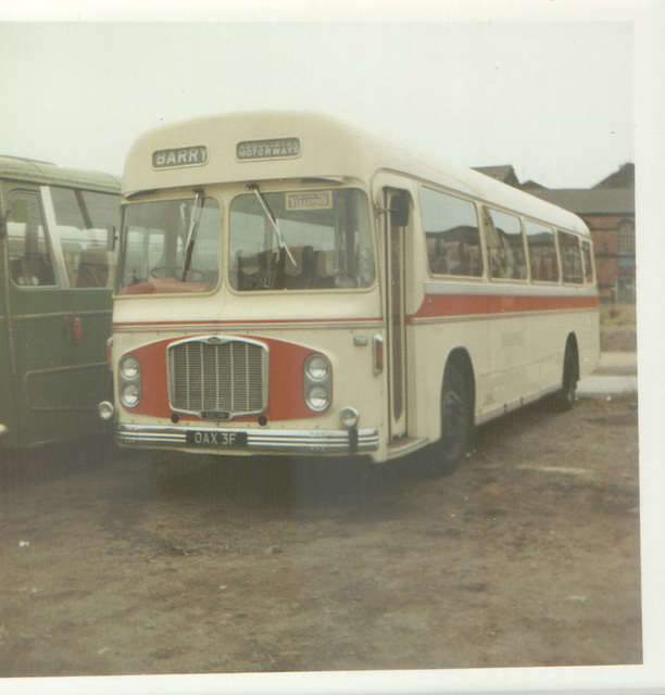 Red and White RC368 (OAX 3F) Aug 1972