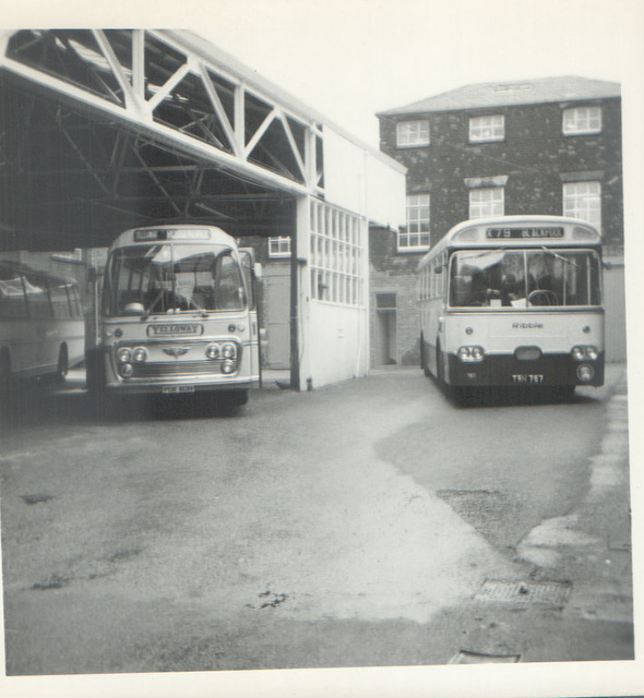 Yelloway PDK 461H and Ribble TRN 767 - 8 May 1972