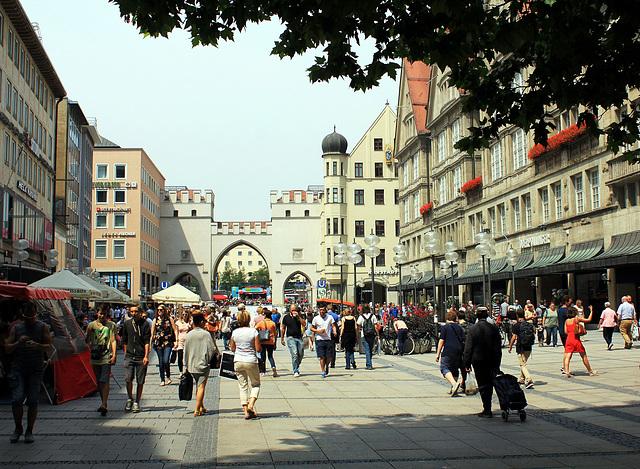 Karlsplatz mit Karlstor