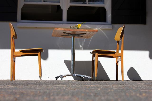 Café in the Sun