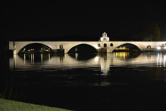 le pont d'Avignon, la nuit