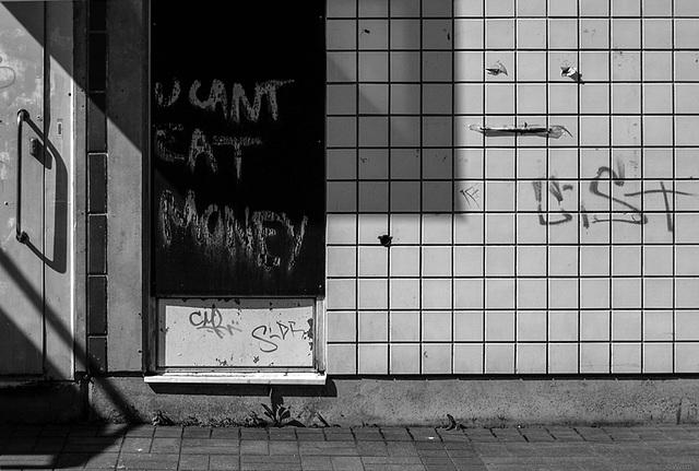 u cant eat money