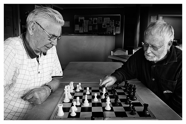 Tribute to the elderly - Old friends weekly game