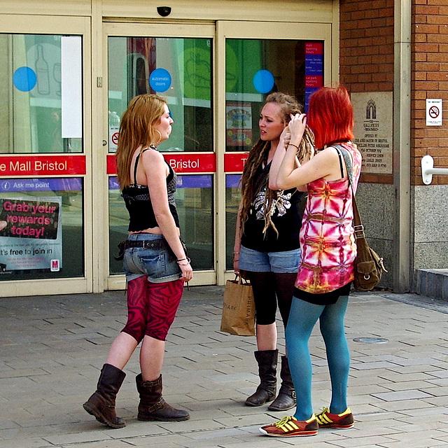 Three Girl Convention