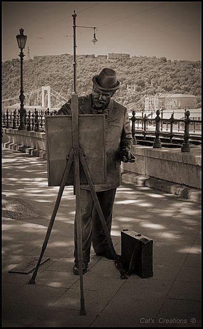 Bronze statue - Budapest