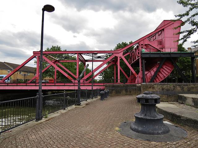 surrey lock bascule bridge, london