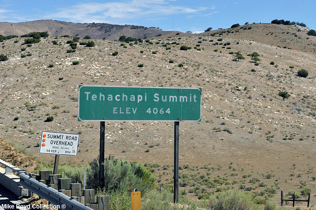 CA sr58 wb scenery tehachapi summit 07'14