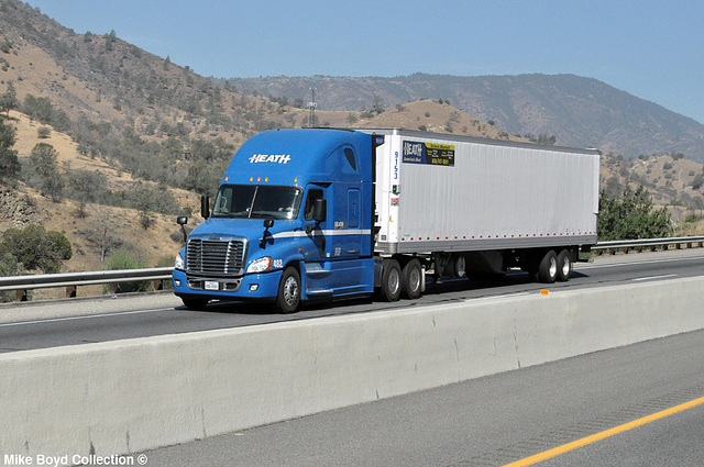 heath trucking frtlnr cascadia reefer van ca sr58 tehachapi ca 07'14