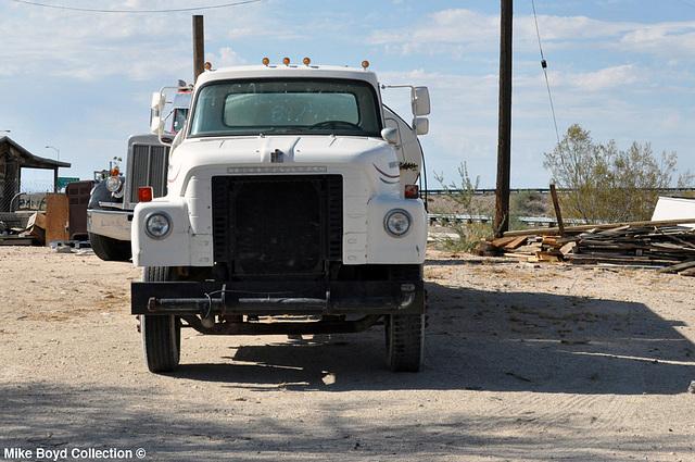 ih loadstar straight truck tanker yucca az 07'14