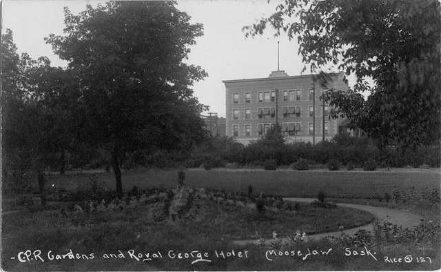 3974. C.P.R. Gardens and Royal George Hotel, Moose Jaw, Sask.