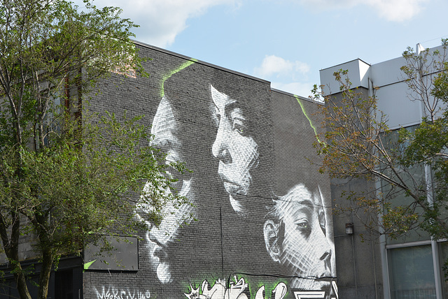 street art visages noir et blanc