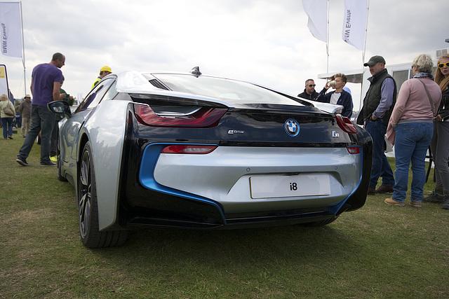1600 BMW i8