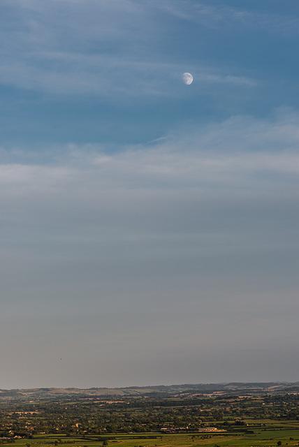 Mond über Glastonbury Tor - 20140807