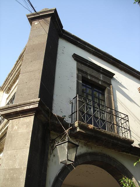 Balcon casse-cou et lanterne / Lantern & stiff neck balcon.