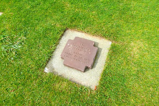 La Cambe German war cemetery 2014 – Ein deutscher Soldat