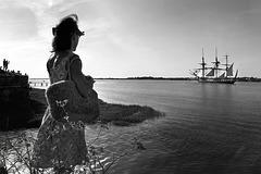 """La frégate """"L'Hermione"""" glisse vers l'océan…"""