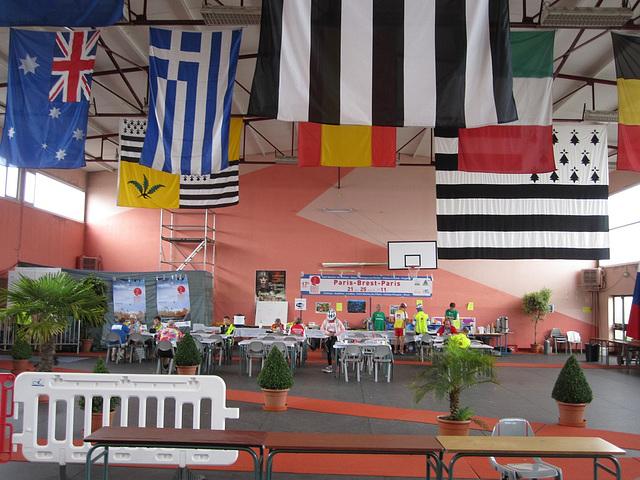 Lycée Général et Technologique Jean Guéhenno, the control at Fougères, 12:56, fourth day, August 24, PBP 2011