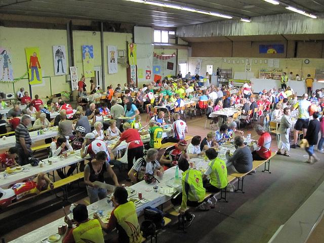 Villaines la Juhel dining hall. Evening of August 24.