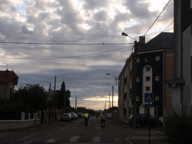 Dreux in the early morning of August 25