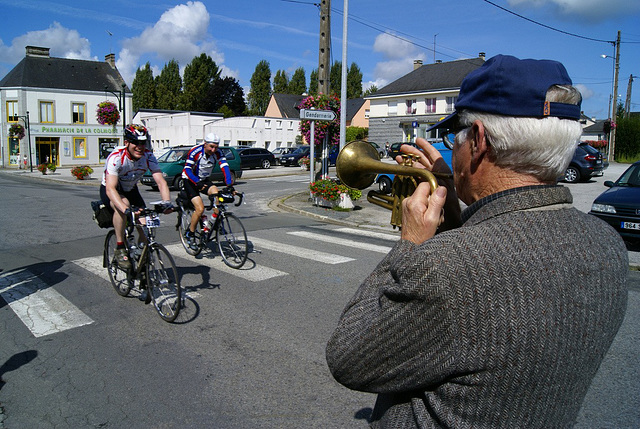 Trumpet serenade for riders