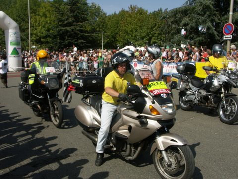Motorcycle escort at the start of 2011 PBP