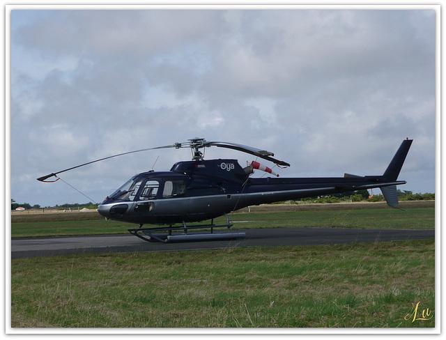 ** Hélicoptère reliant le continent à l'île d'yeu **
