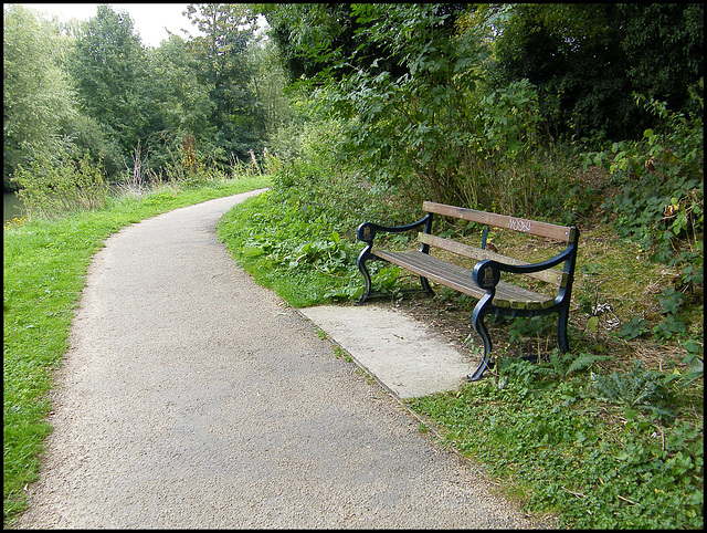 towpath seat at Grandpont