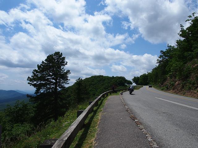 "Pause auf dem ""Blue Ridge Mountain Parkway"""