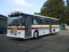 DSCF6003 Bayline Coaches, New Zealand JD 4954 (British registration XOU 396T)